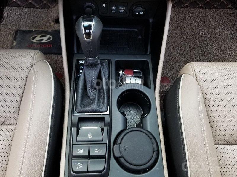 Bán chiếc xe Hyundai Tucson mới mua đầu 2019, màu đen, giá rẻ   (16)