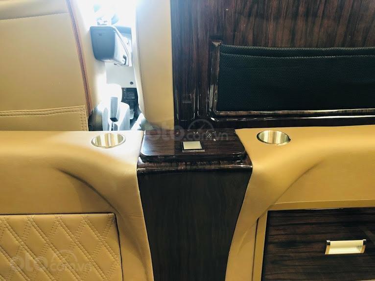 Solati Limousine- Chiếc xe dành cho đại gia đình (11)