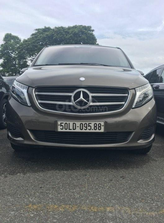 Mercedes V250 2016, màu xám, 33000km (1)