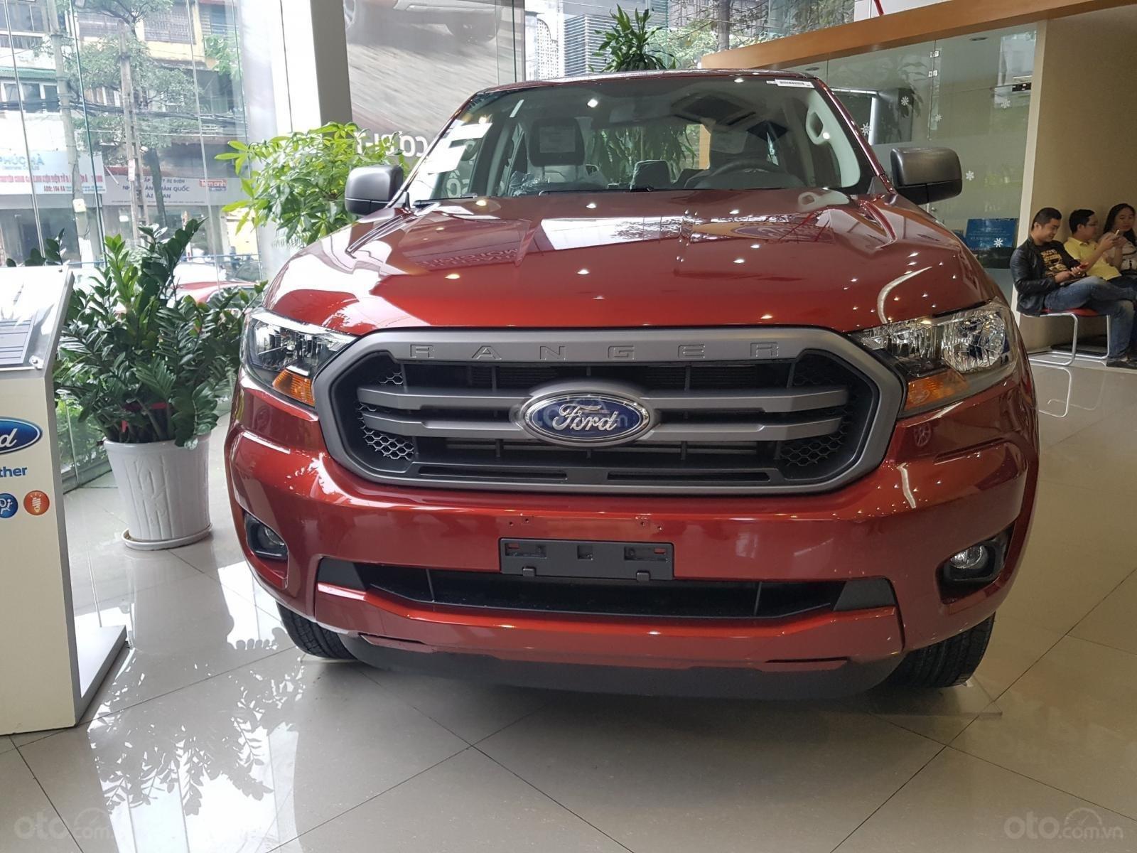 Cần bán chiếc xe Ford Ranger XLS 2019, nhập khẩu chính hãng, giá mềm (2)