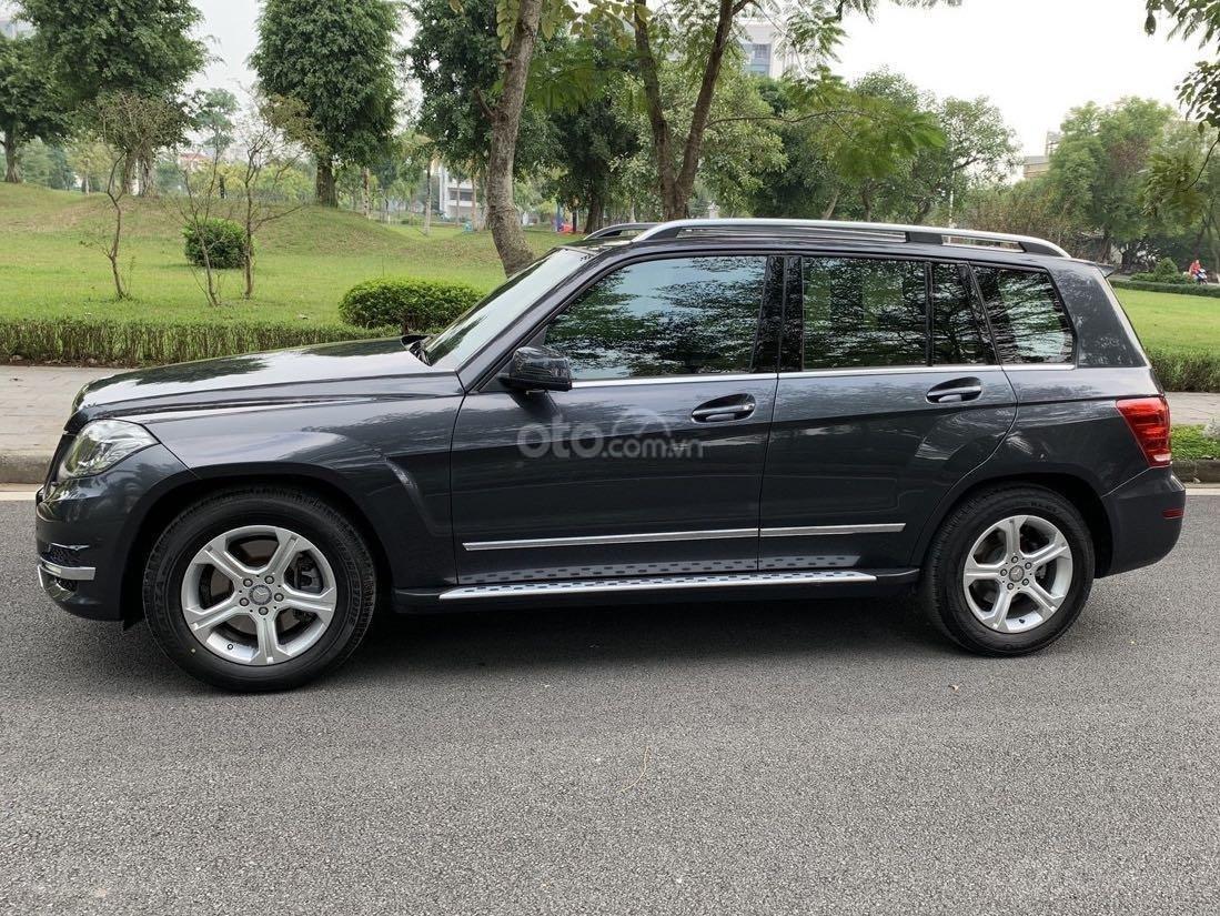 Cần bán chiếc xe Mercedes GLK đời 2012, màu đen (3)