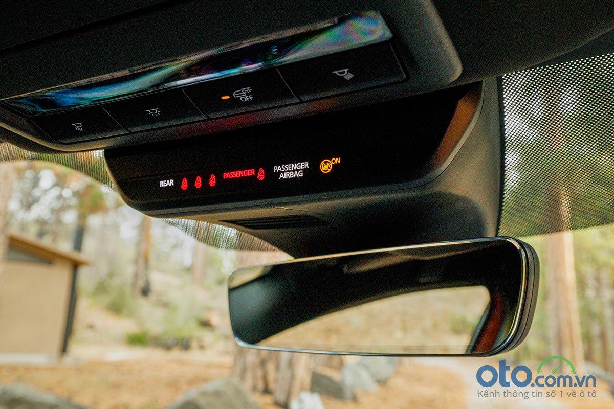 Đánh giá xe Mazda 3 Sport 2020 2.0L Premium: Hệ thống nhắc cài dây an toàn cho 5 vị trí ngồi.