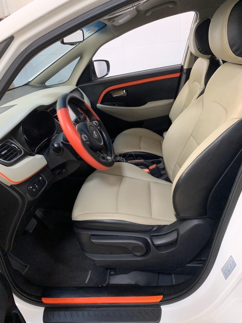Cần bán gấp Kia Rondo 2016 đăng ký 2017, xe tuyệt đẹp (6)