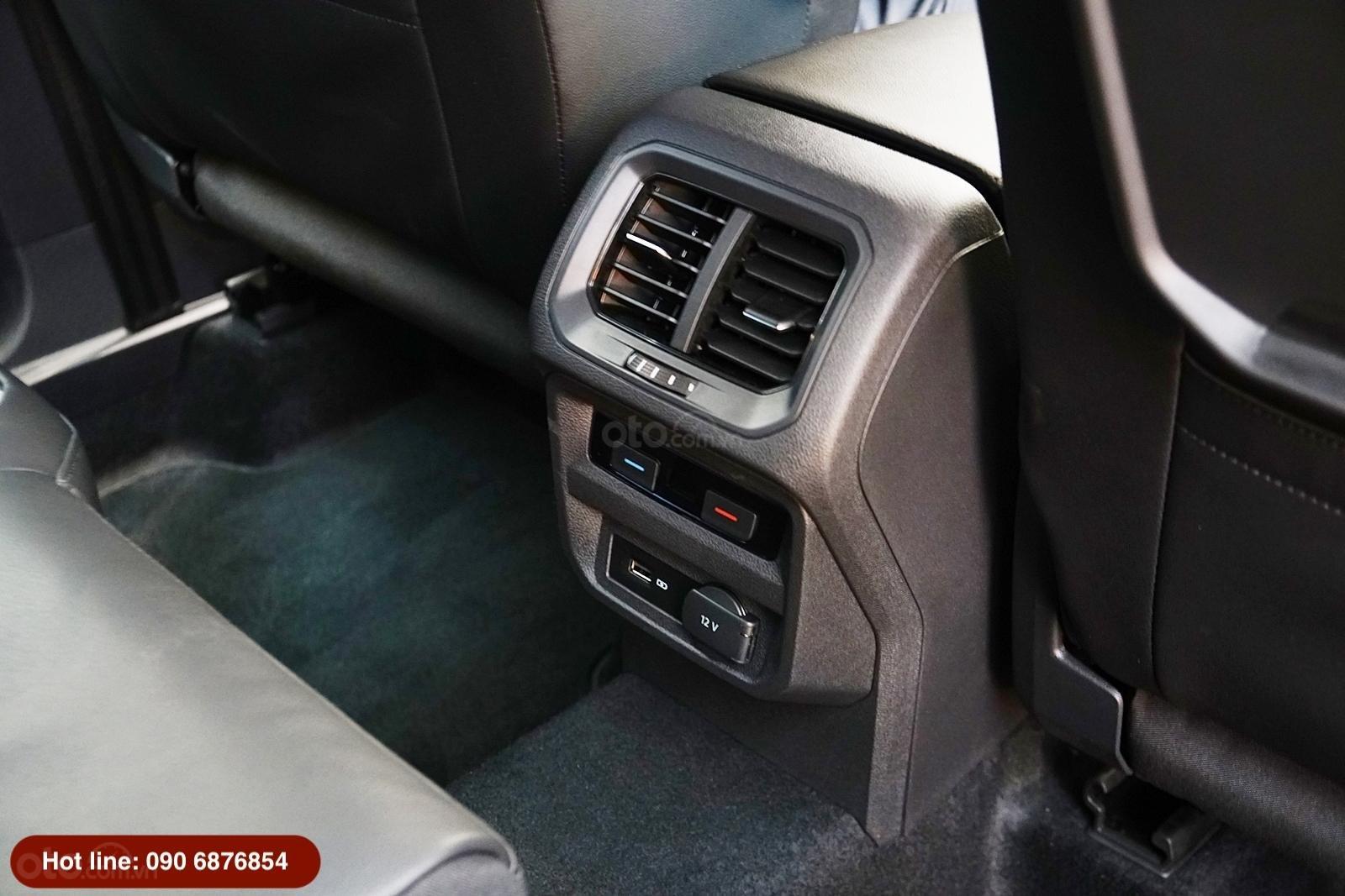 Volkswagen Tiguan Allspace Luxury, phiên bản giới hạn chỉ còn 2 xe  (17)