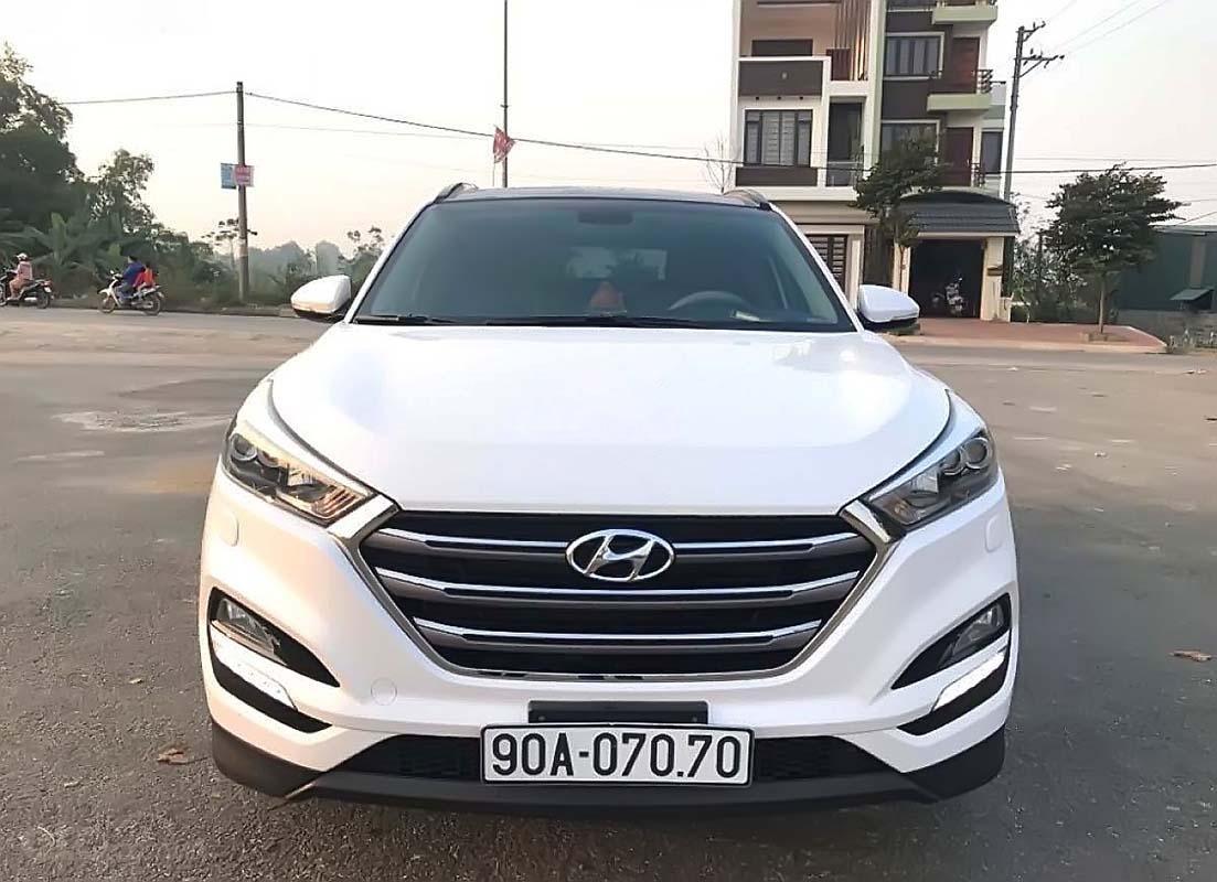 Bán Hyundai Tucson đời 2018, màu trắng như mới (1)