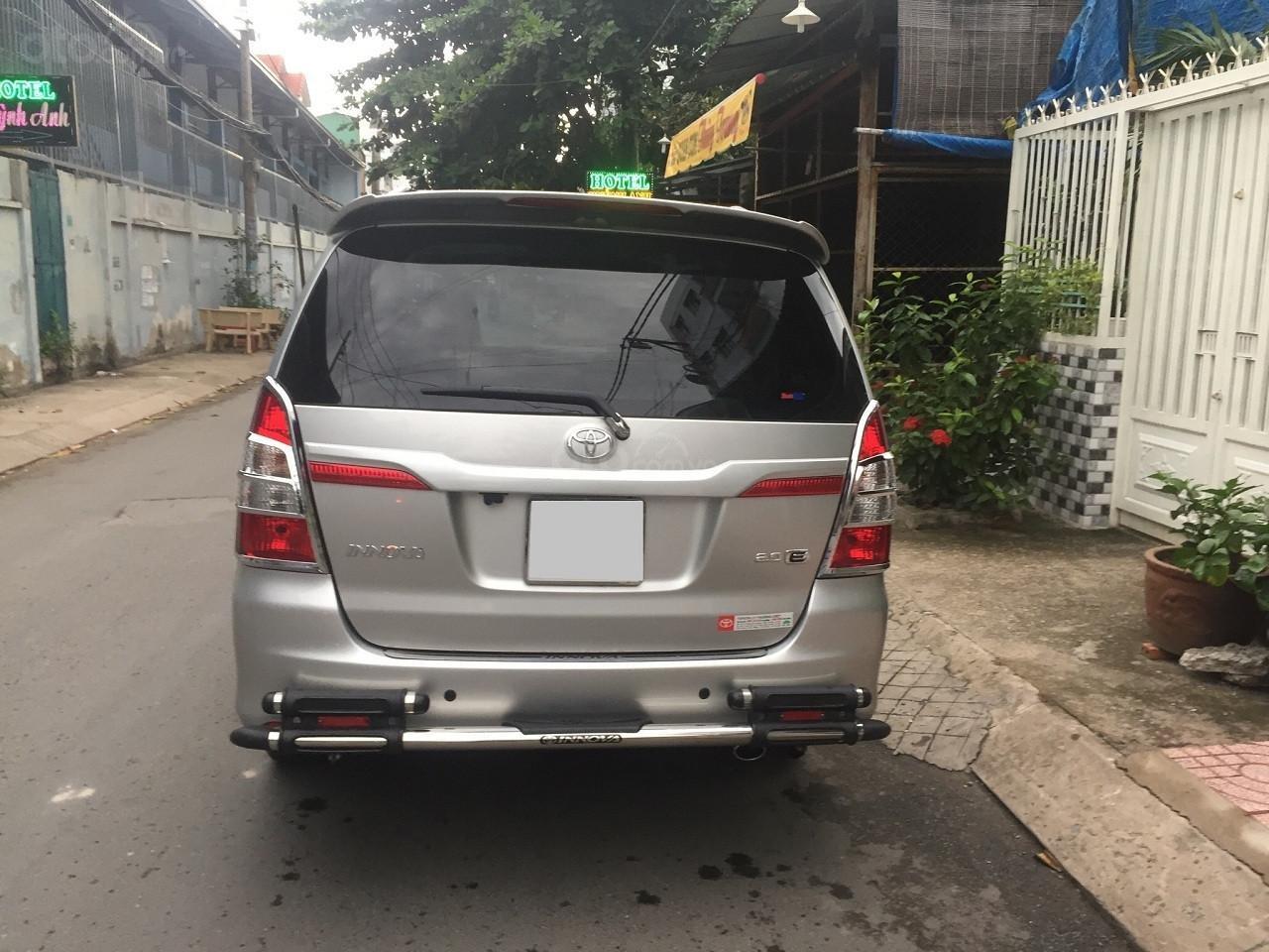 Bán Toyota Innova 2016, màu bạc, số sàn, xe rất mới (4)