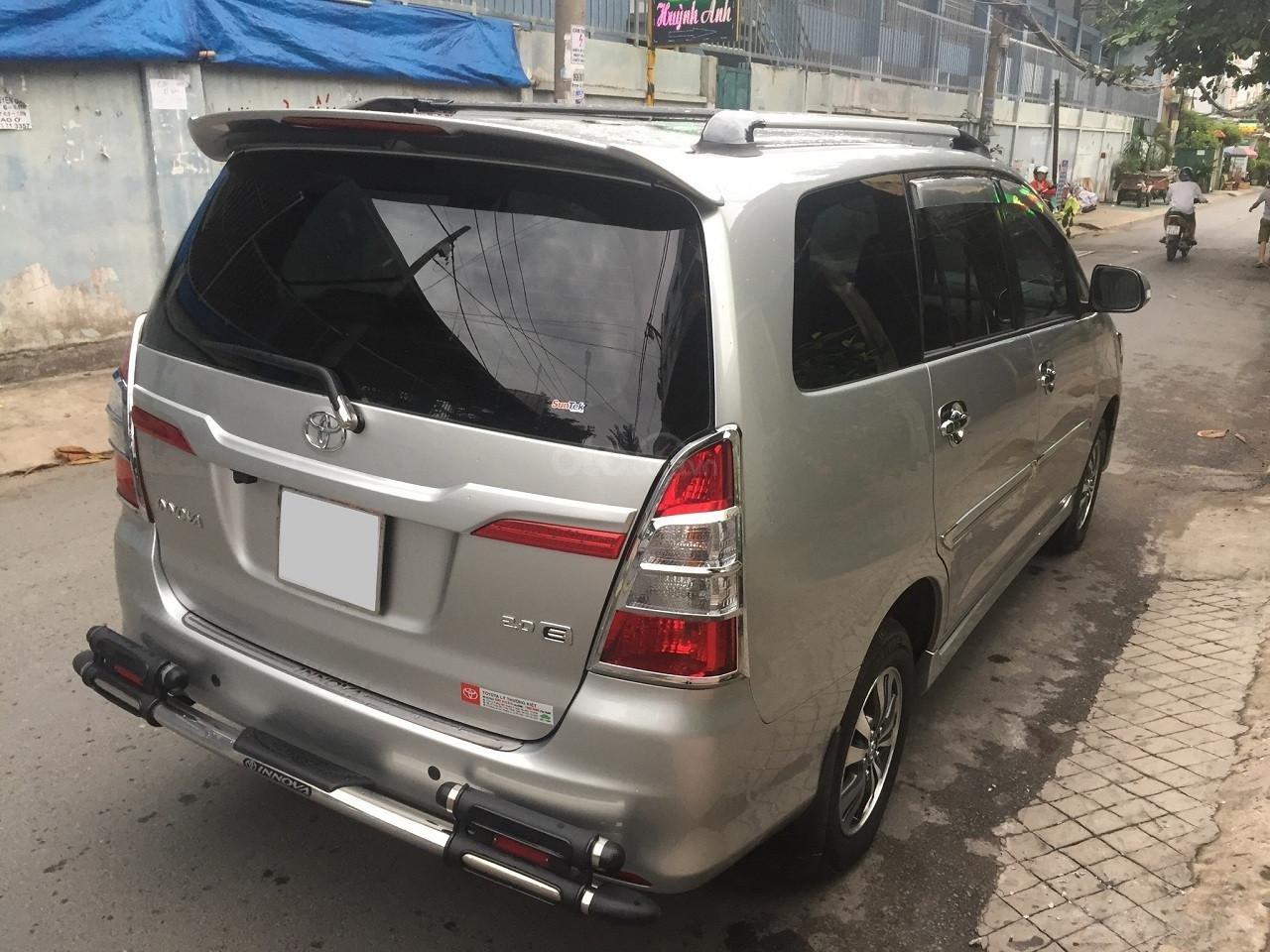 Bán Toyota Innova 2016, màu bạc, số sàn, xe rất mới (3)