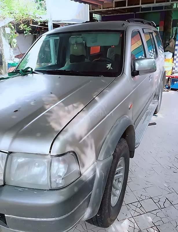 Bán Ford Everest 2.5L 4x2 MT 2006 xe còn mới (1)