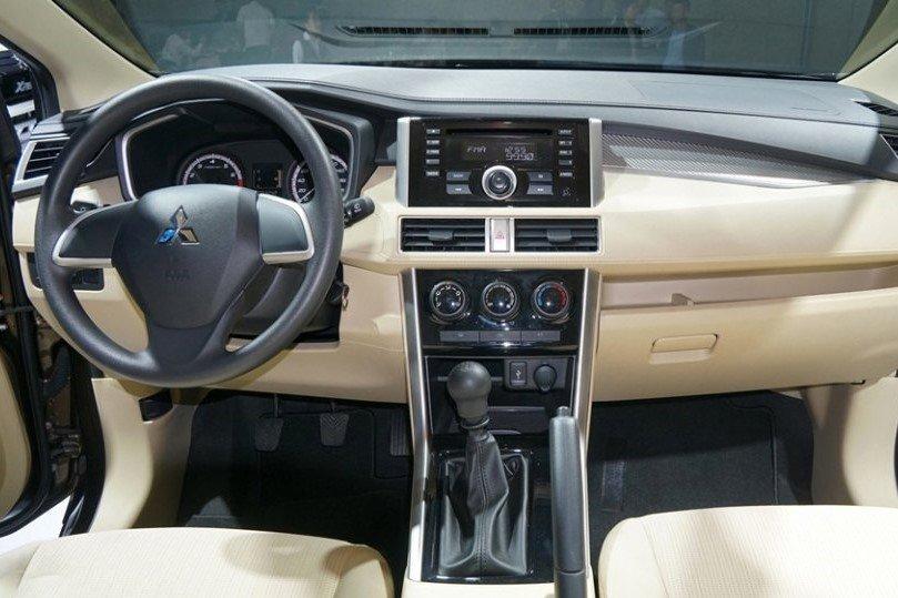 Bảng táp lô xe Mitsubishi Xpander 2020 2