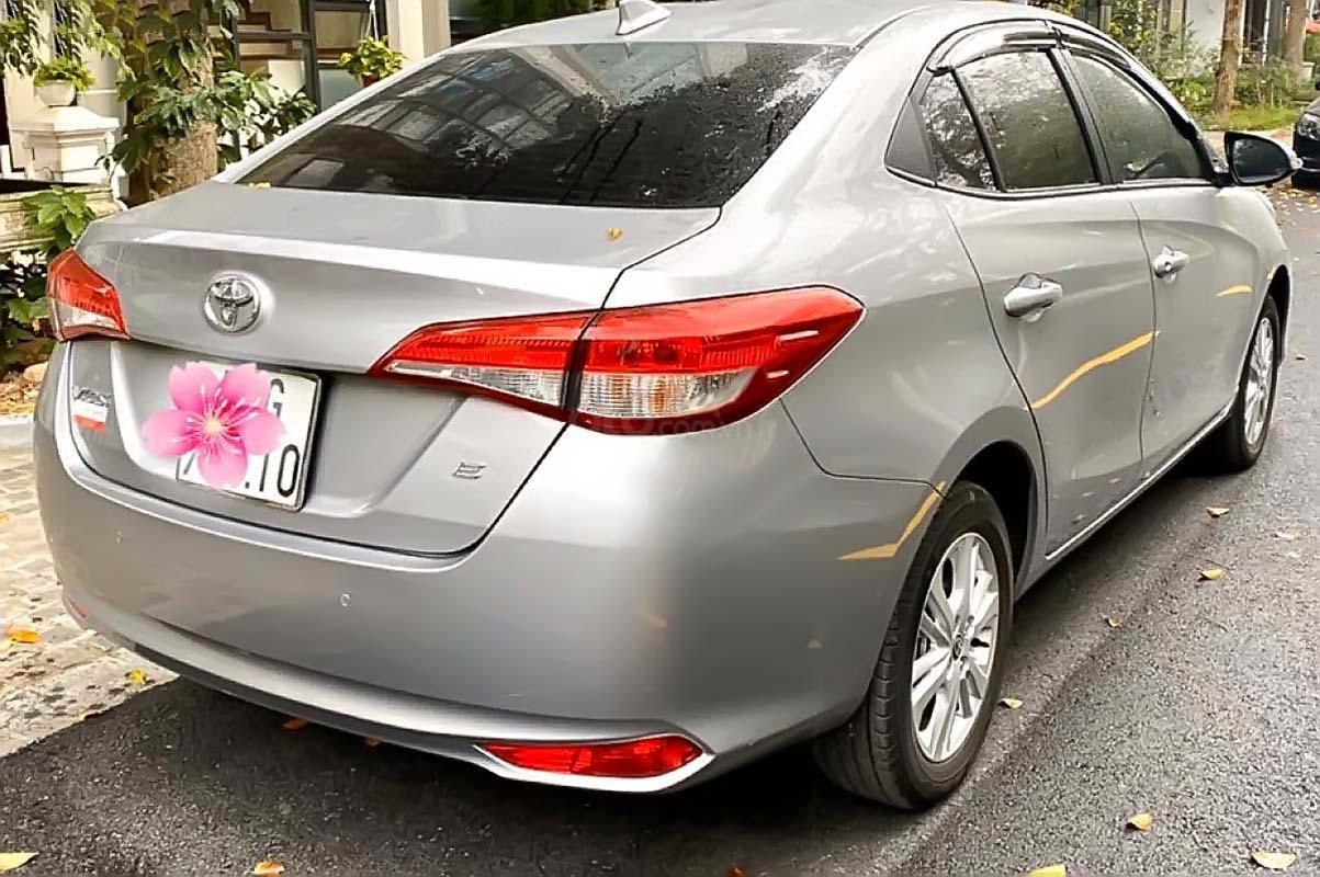 Cần bán lại xe Toyota Vios E CVT sản xuất 2018, màu bạc (5)