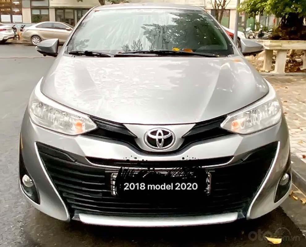 Cần bán lại xe Toyota Vios E CVT sản xuất 2018, màu bạc (2)