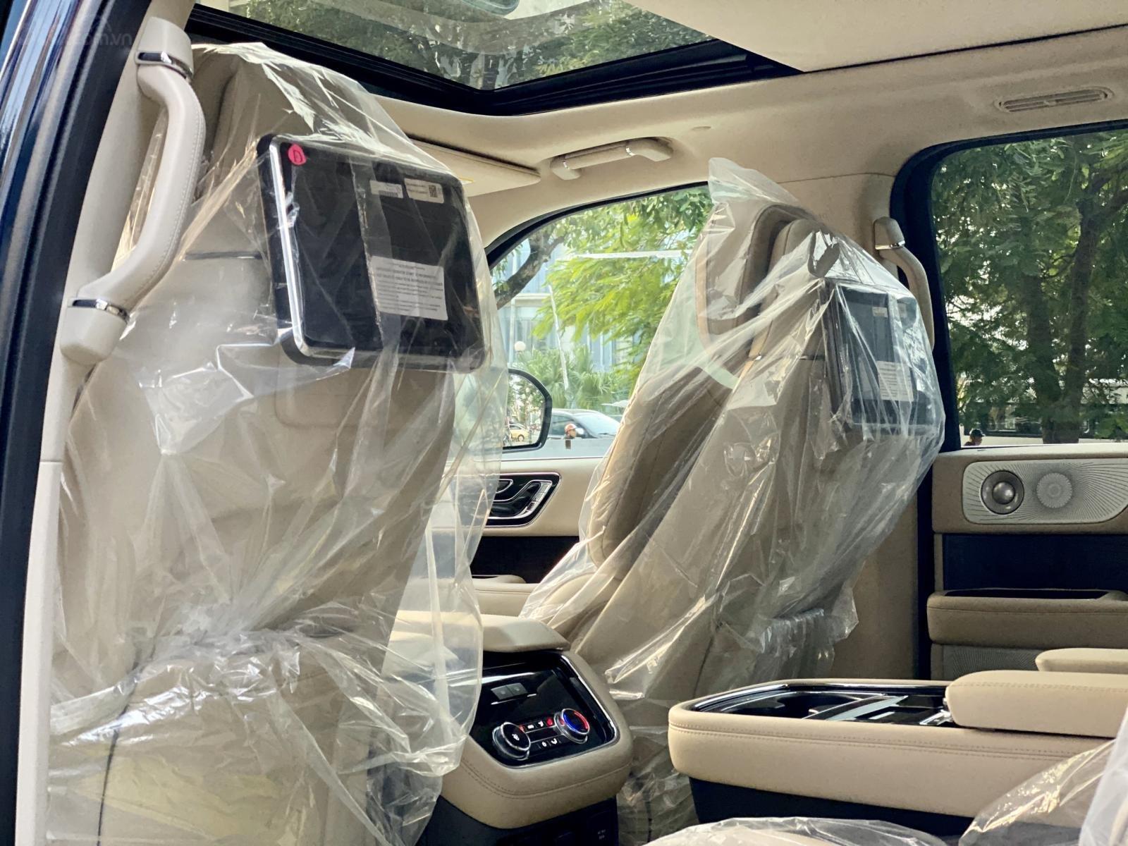Bán xe Lincoln Navigator Navigator 2020, giá tốt, giao ngay toàn quốc. LH Ms. Hương 0945.39.2468 (17)