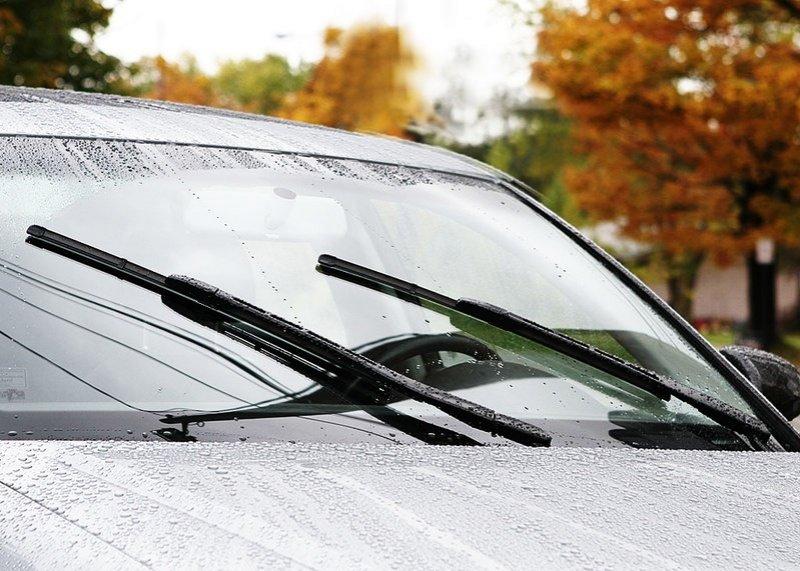 Cần gạt nước ô tô.