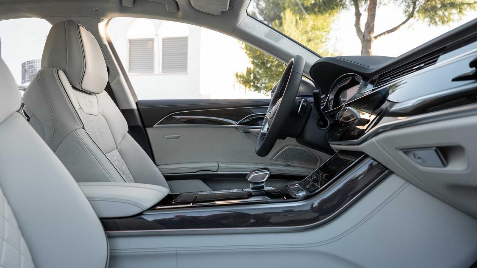 Đánh giá xe Aud S8 2020 về hệ thống ghế ngồi - ghế trước