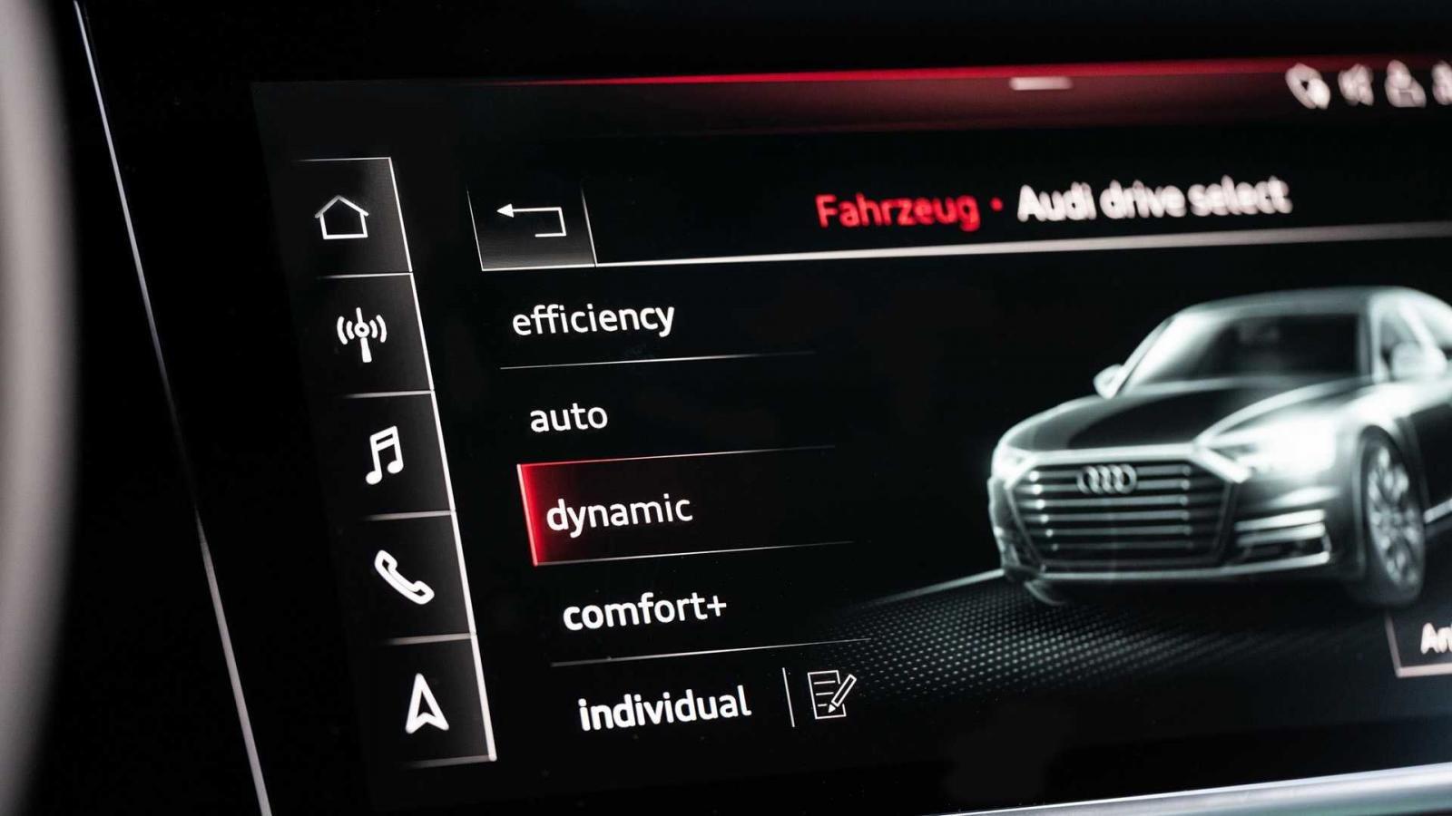 Đánh giá xe Audi S8 2020 về tiện nghi: màn hình chính