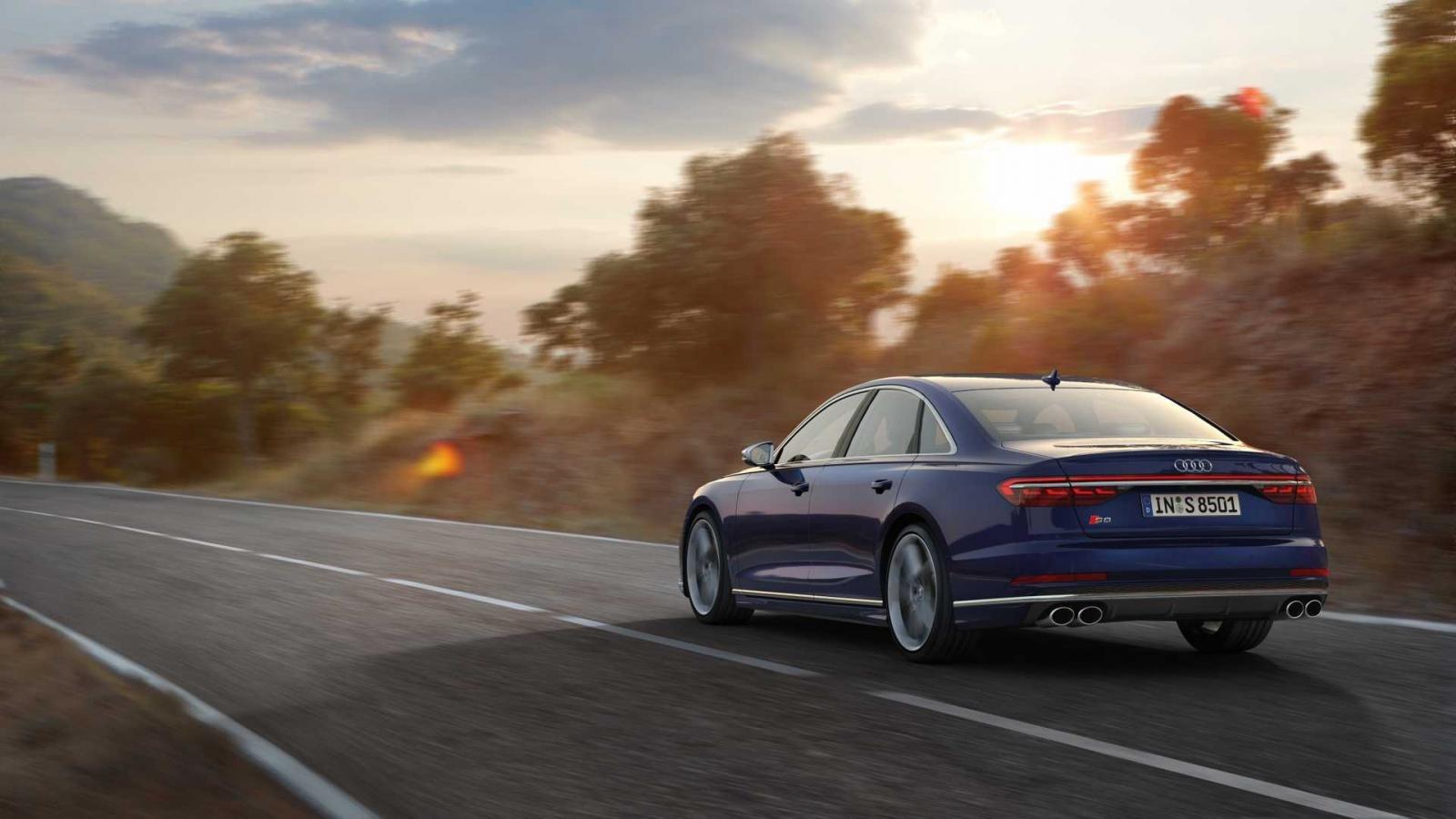 Đánh giá xe Audi S8 2020 về cảm giác lái 2