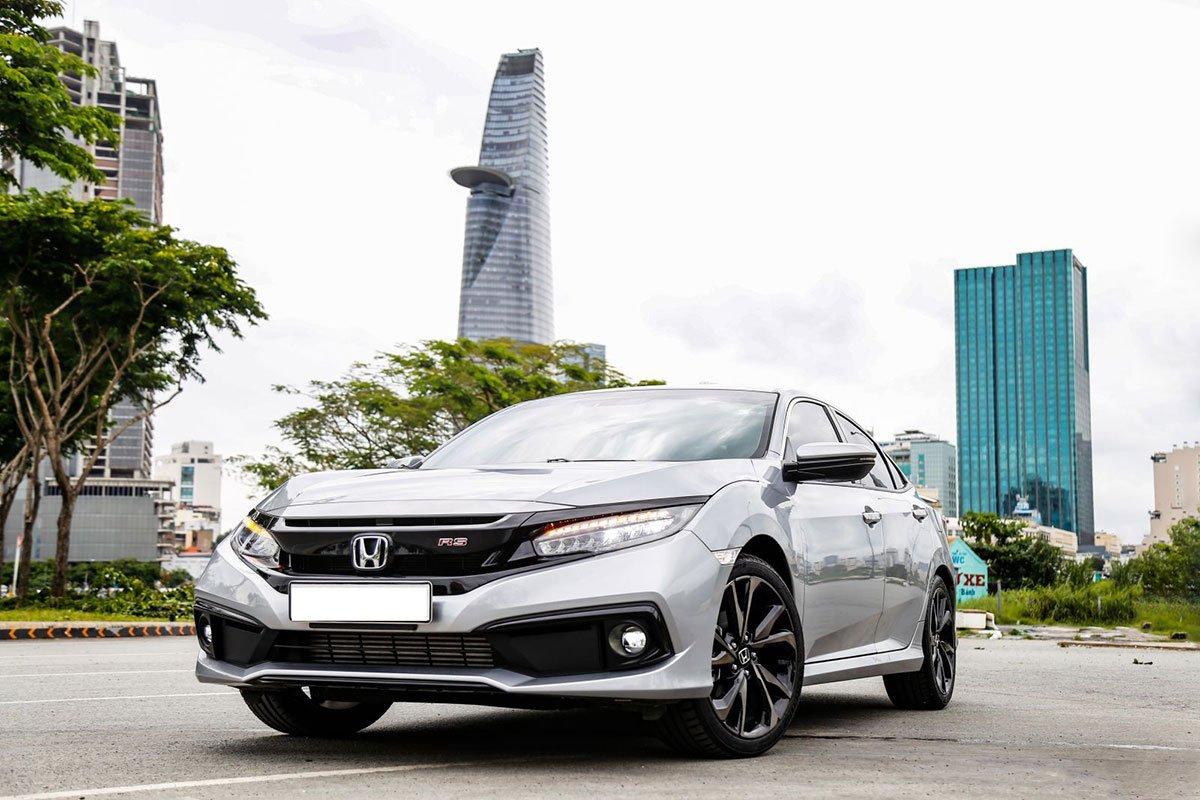 So sánh xe Mazda 3 2020 với Honda Civic RS 2020: ar