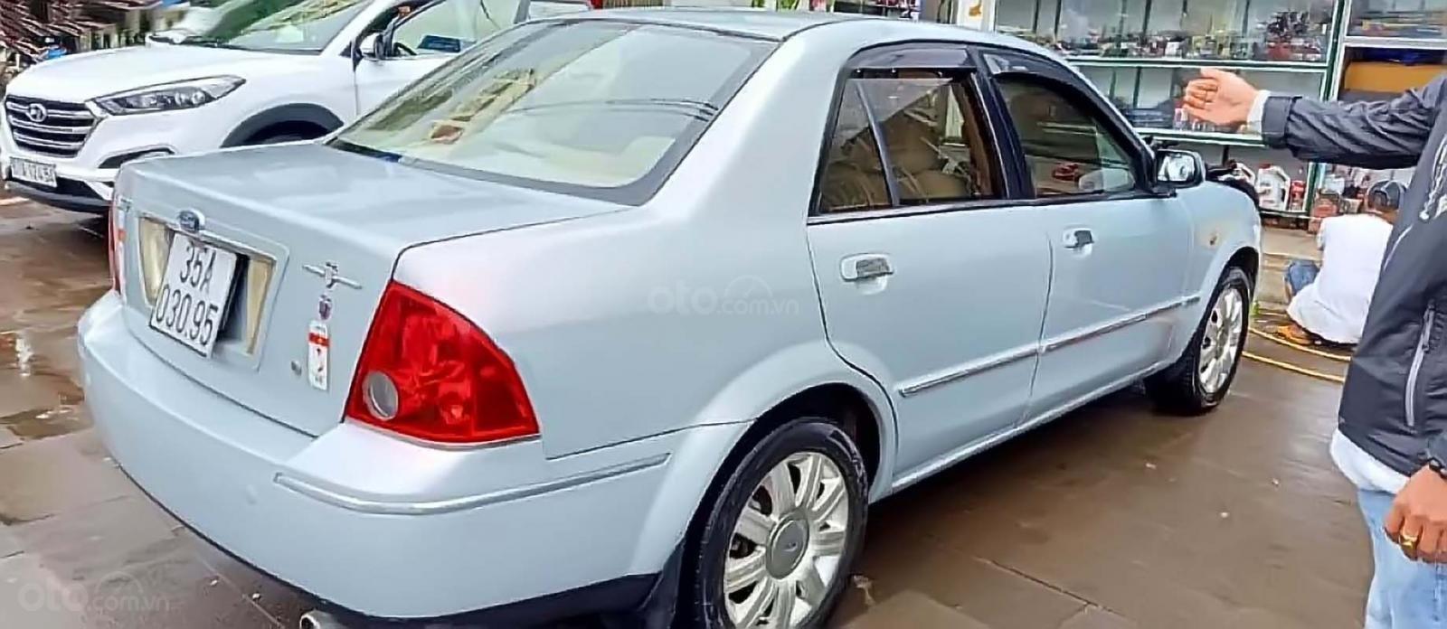 Bán xe Ford Laser GHIA 1.8 MT sản xuất 2003, màu bạc, số sàn (2)