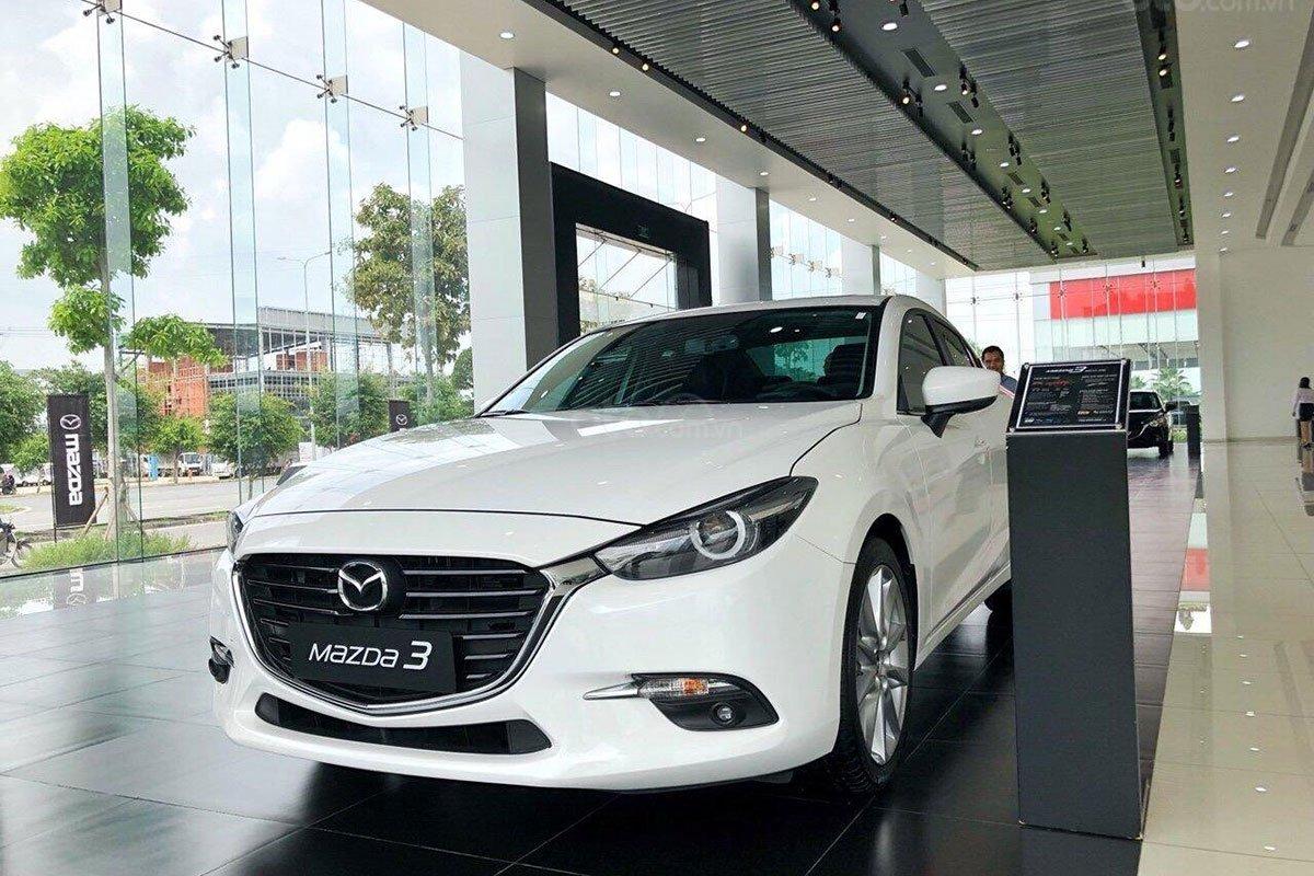 Phân biệt Mazda 3 2019 và Mazda 3 2020 qua hình ảnh a1