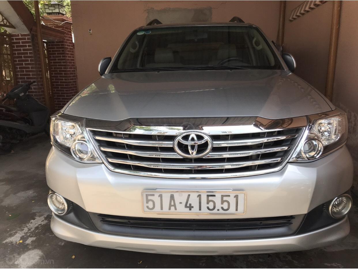 Toyota Bến Thành bán xe Toyota Fortuner 2013 máy xăng, 1 cầu, xe mới 95%, 650 triệu, LH 0907.555.888 (1)