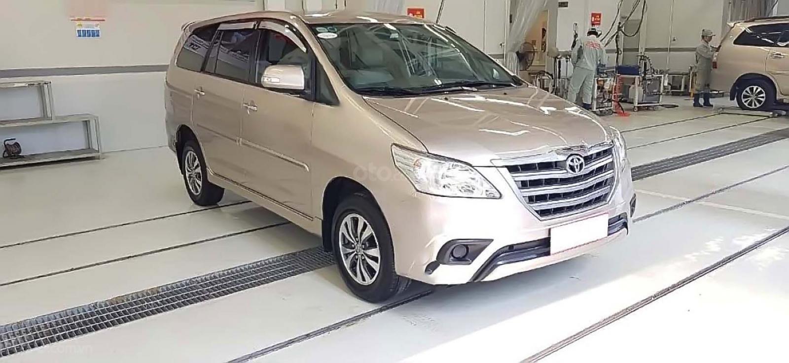 Bán Toyota Innova E MT sản xuất 2015, giá 555tr (1)