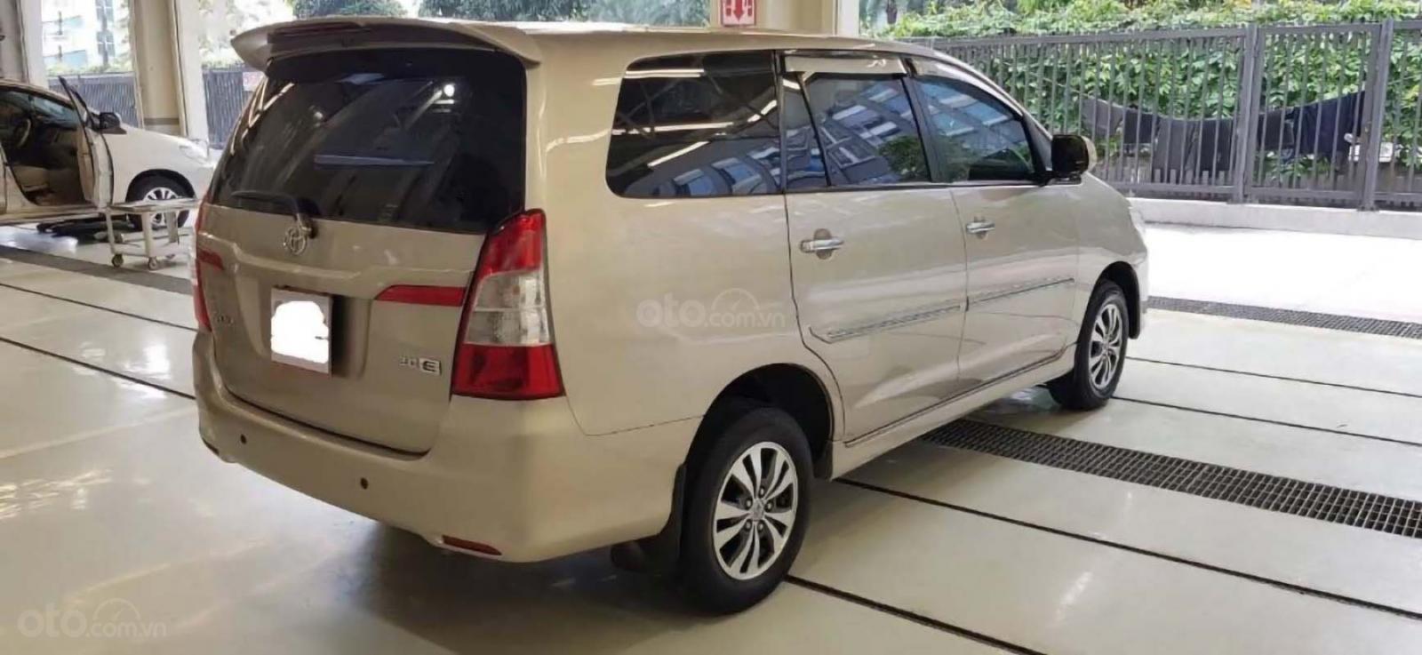 Bán Toyota Innova E MT sản xuất 2015, giá 555tr (2)
