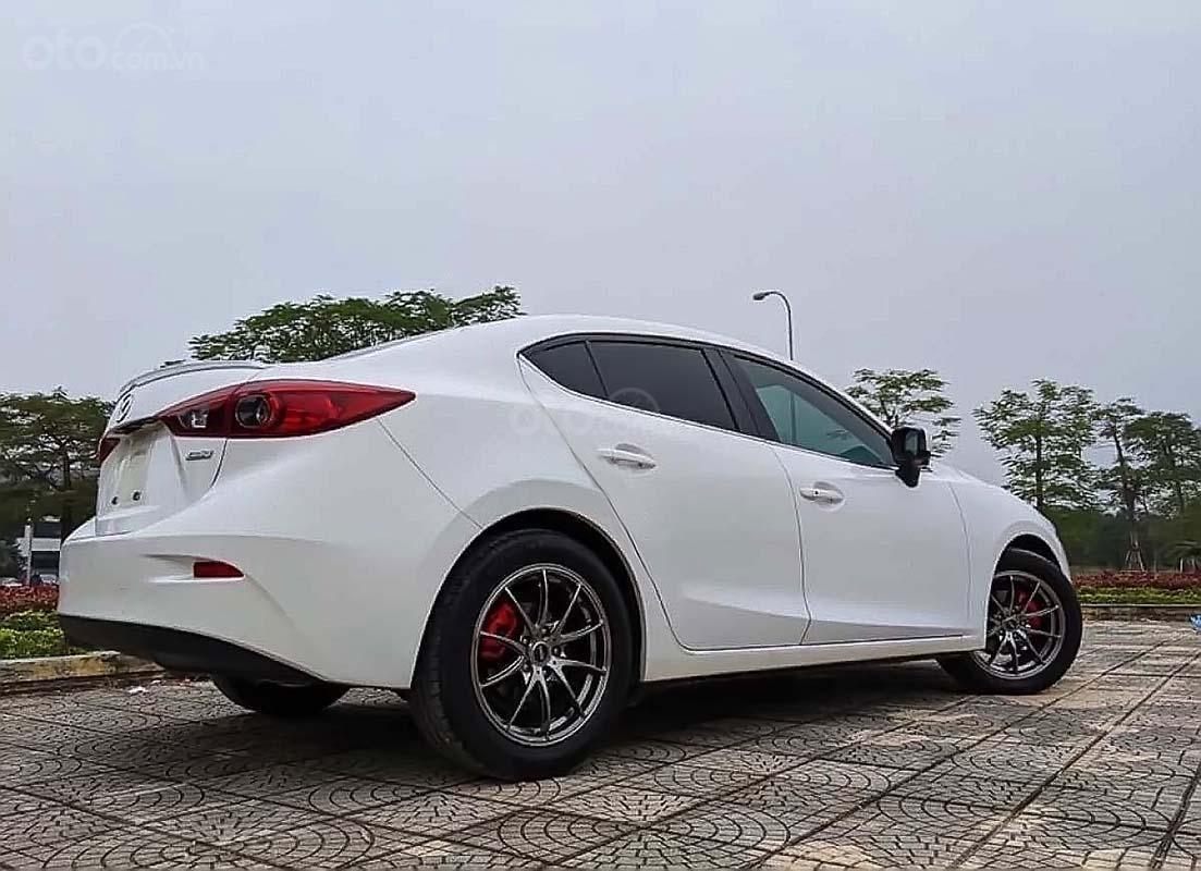 Cần bán lại xe Mazda 3 1.5 năm sản xuất 2016, màu trắng (2)