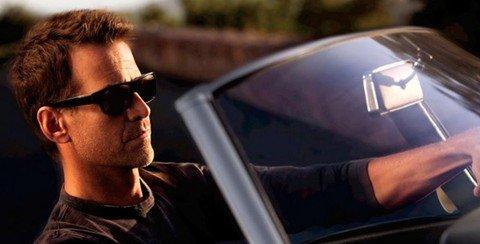 Đeo kính mắt màu khi lái xe vào buổi tối a9