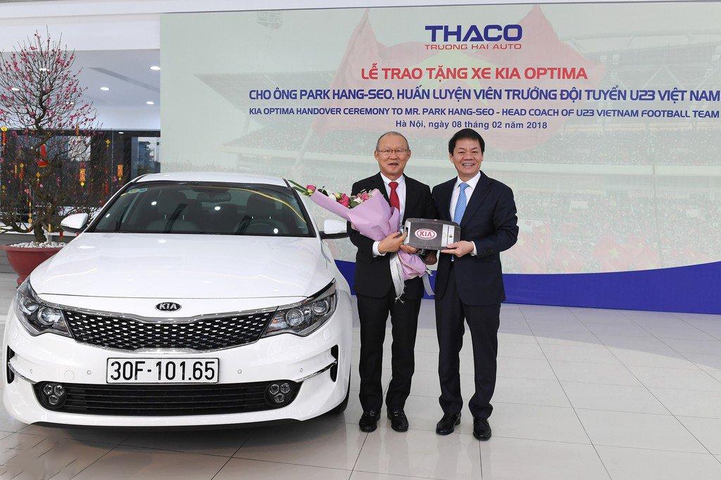 Điểm danh những mẫu xe HLV Park Hang-Seo được tặng từ khi đến Việt Nam a2