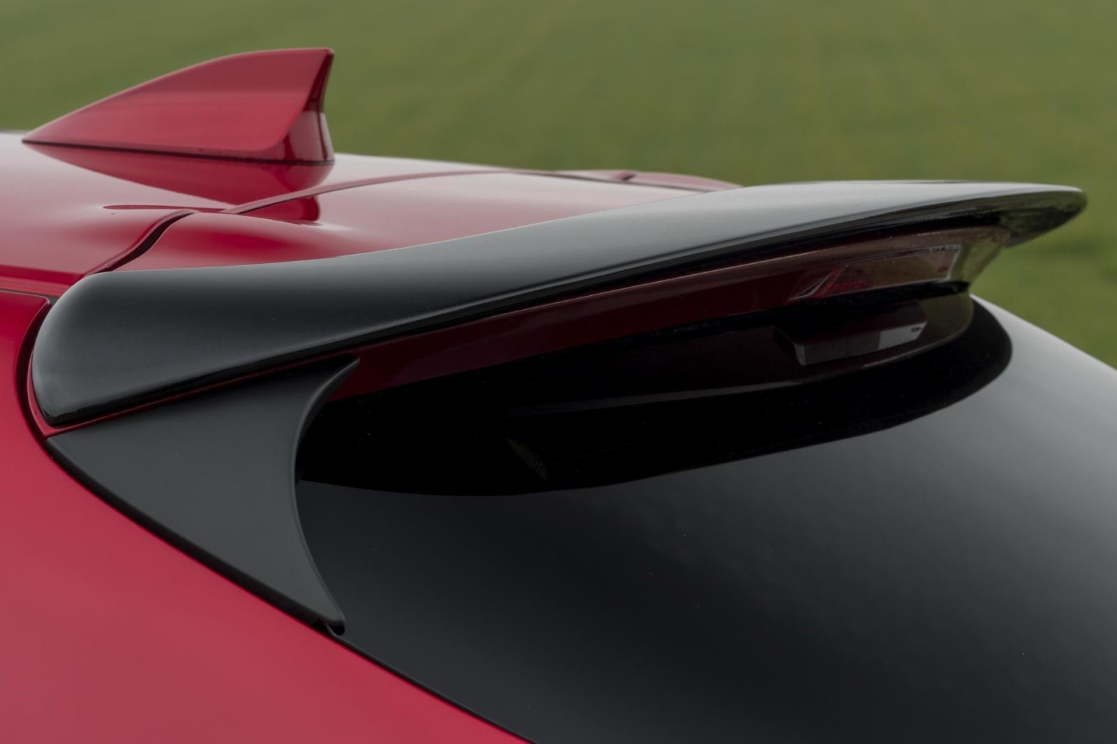 So sánh qua ảnh xe Mazda 3 Sport 2020 và đời cũ a18