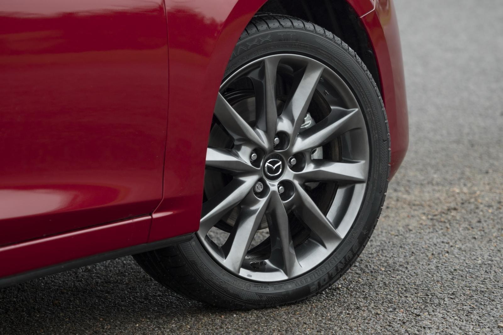 So sánh qua ảnh xe Mazda 3 Sport 2020 và đời cũ a10