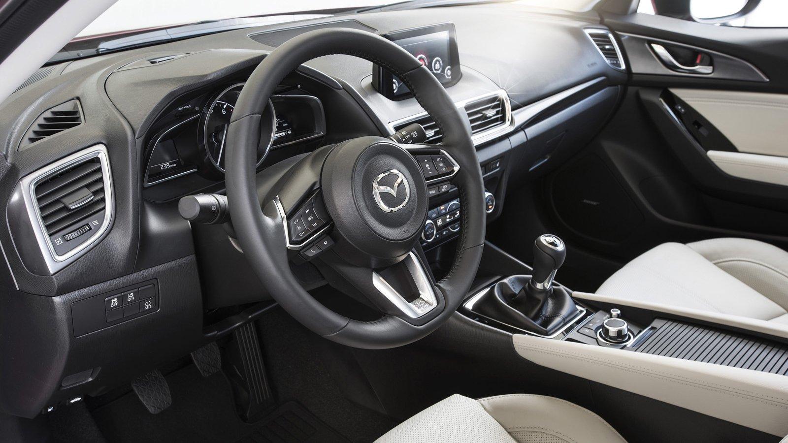 So sánh qua ảnh xe Mazda 3 Sport 2020 và đời cũ a20