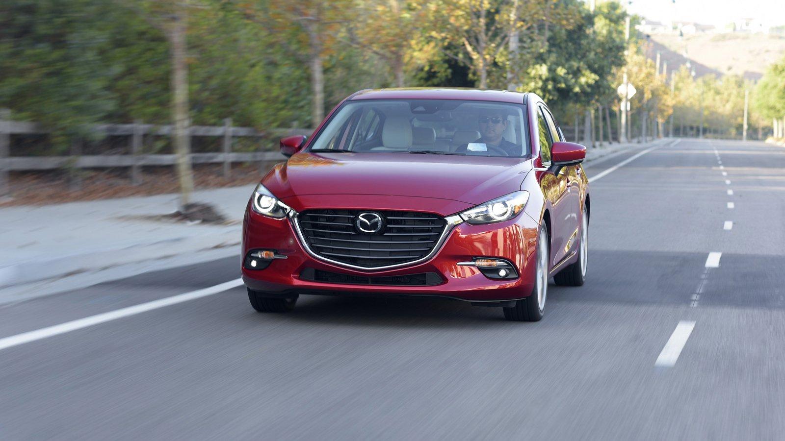 So sánh qua ảnh xe Mazda 3 Sport 2020 và đời cũ a2