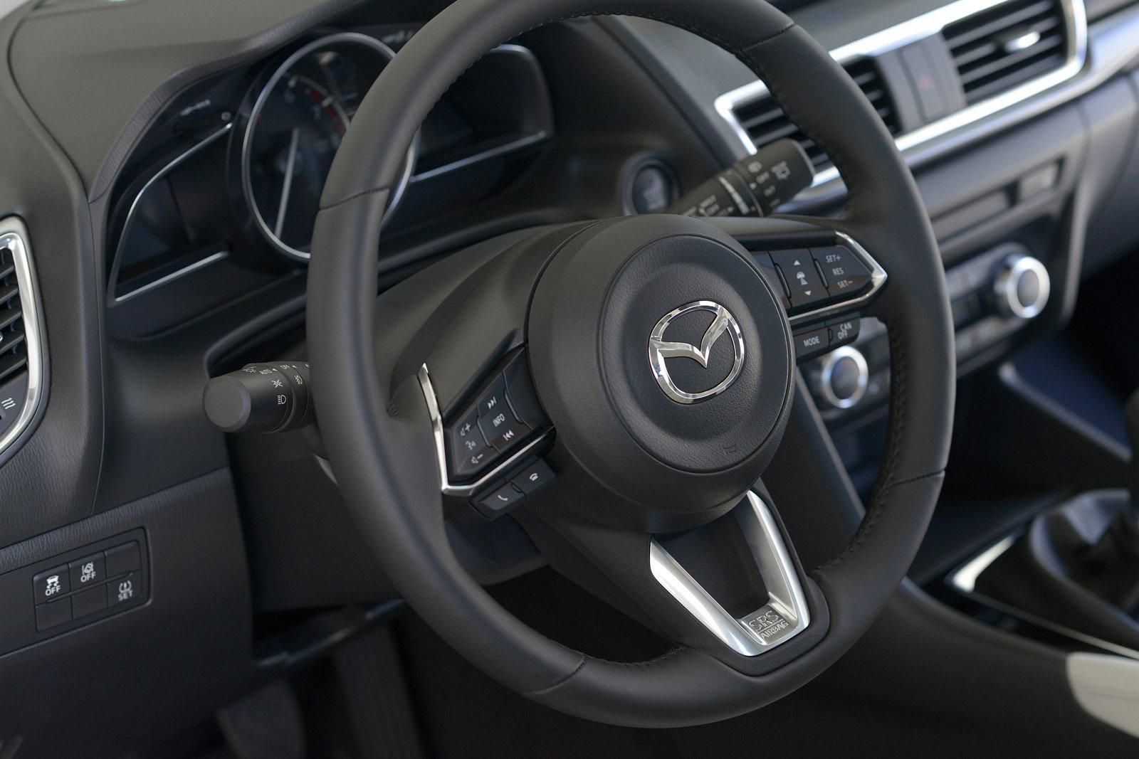 So sánh qua ảnh xe Mazda 3 Sport 2020 và đời cũ a26