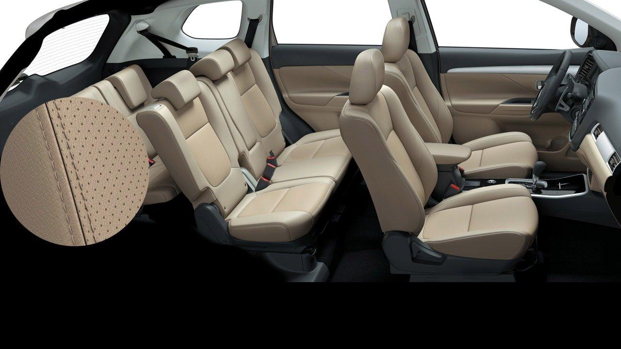 Khoảng nội thất Mitsubishi Outlander