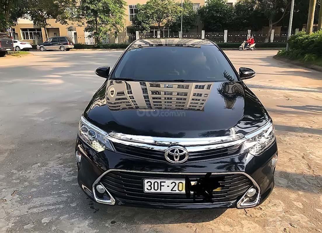 Cần bán gấp Toyota Camry 2.0 năm sản xuất 2018, màu đen như mới (1)
