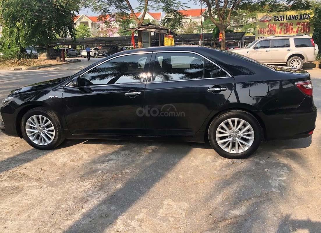 Cần bán gấp Toyota Camry 2.0 năm sản xuất 2018, màu đen như mới (2)