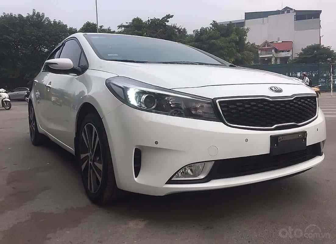 Bán Kia Cerato 1.6AT 2017, màu trắng, 570tr (1)