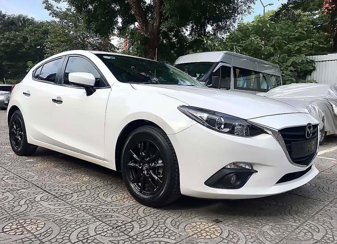 Bán Mazda 3 1.5 năm sản xuất 2016, màu trắng giá cạnh tranh (4)