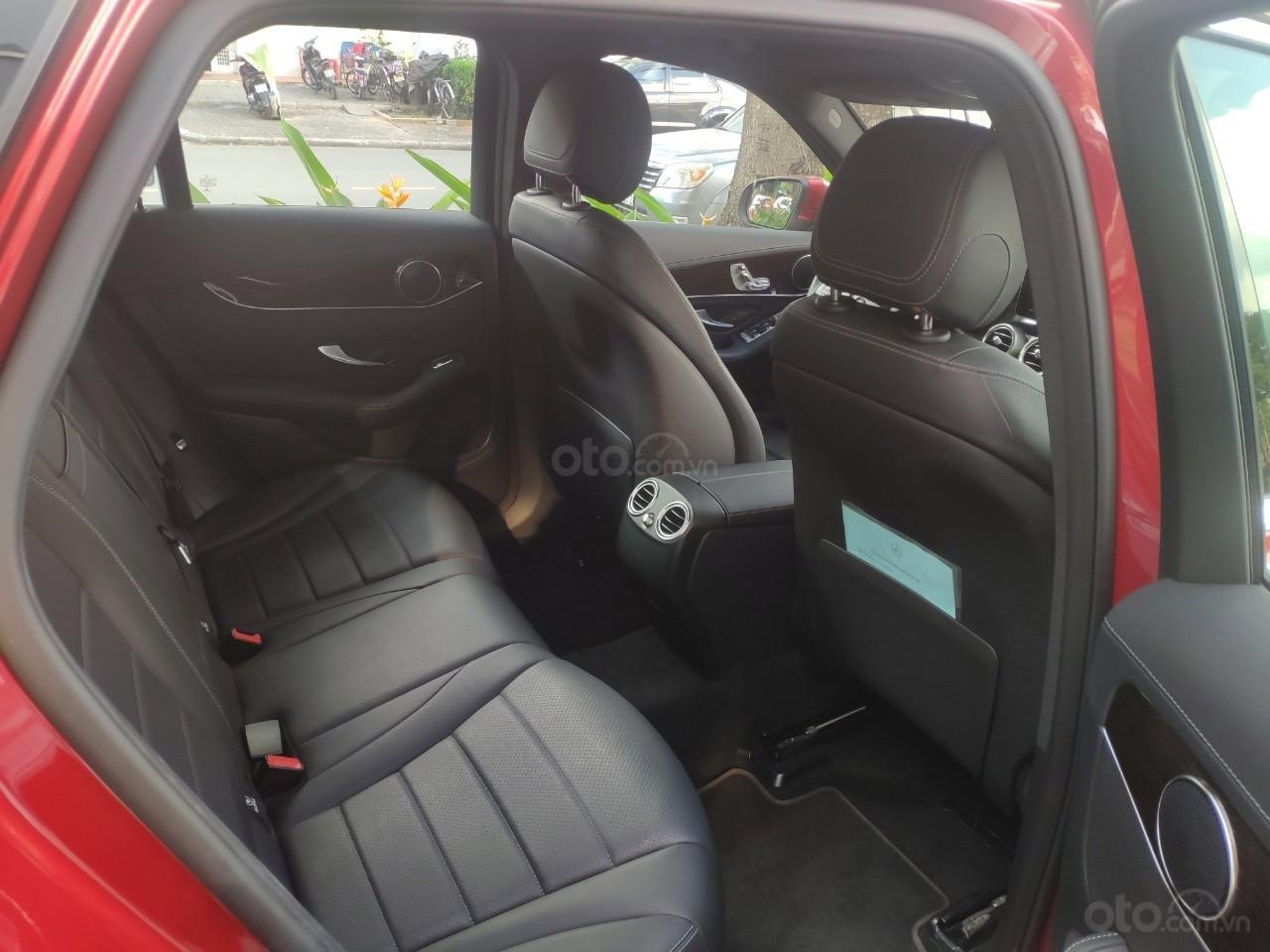 Giá tốt, Mercedes GLC200 2019 đỏ 2000km (6)