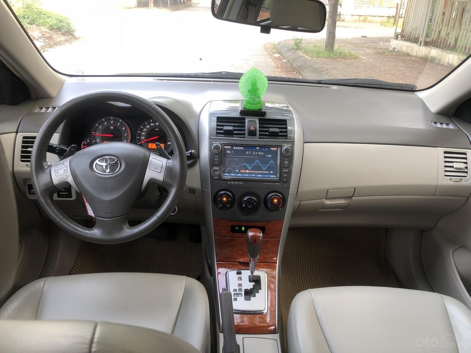 Bán Toyota Corolla Altis 2.0 V sản xuất năm 2010, màu đen (6)