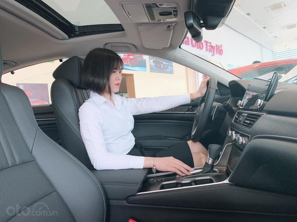 Honda CRV nhập khẩu nguyên chiếc, giá 983Tr (1)