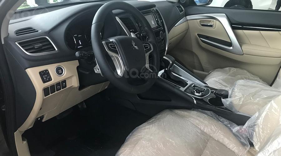 Mitsubishi Pajero Sport D 4x2 AT tại Quảng Ninh đời 2019, màu trắng, nhập khẩu, giá 888tr, liên hệ: 0969604040 (4)