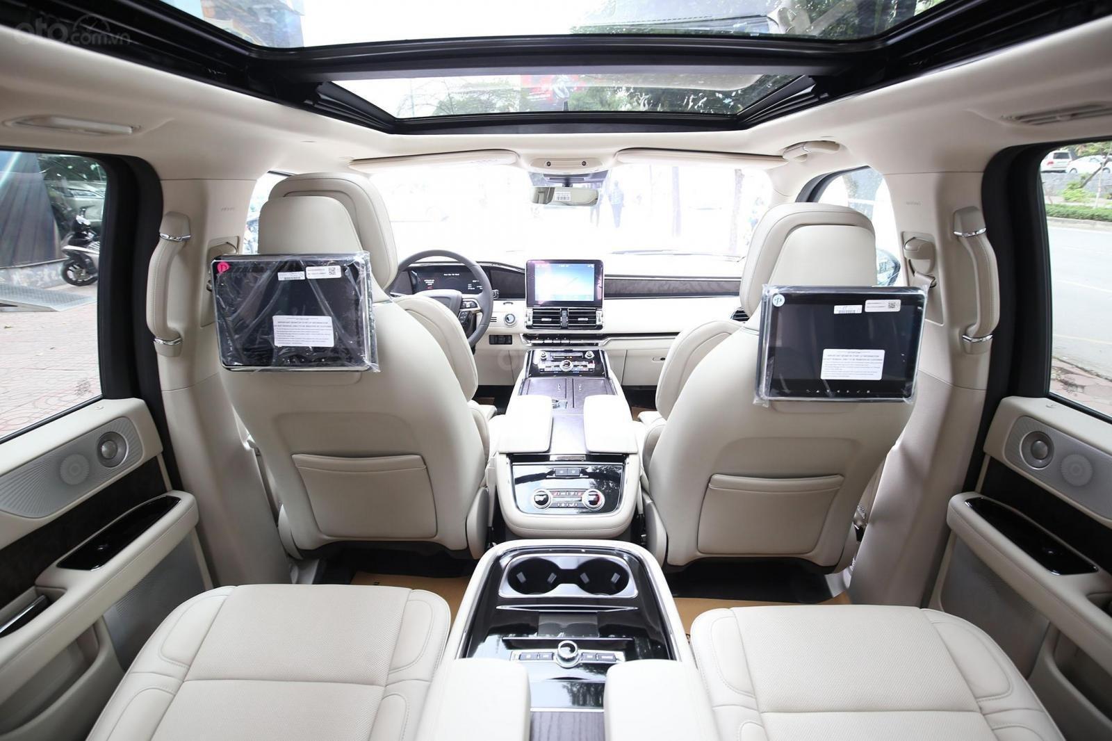 Cần bán Lincoln Navigator L năm sản xuất 2019, màu xanh lam, xe nhập Mỹ mới 100% (3)