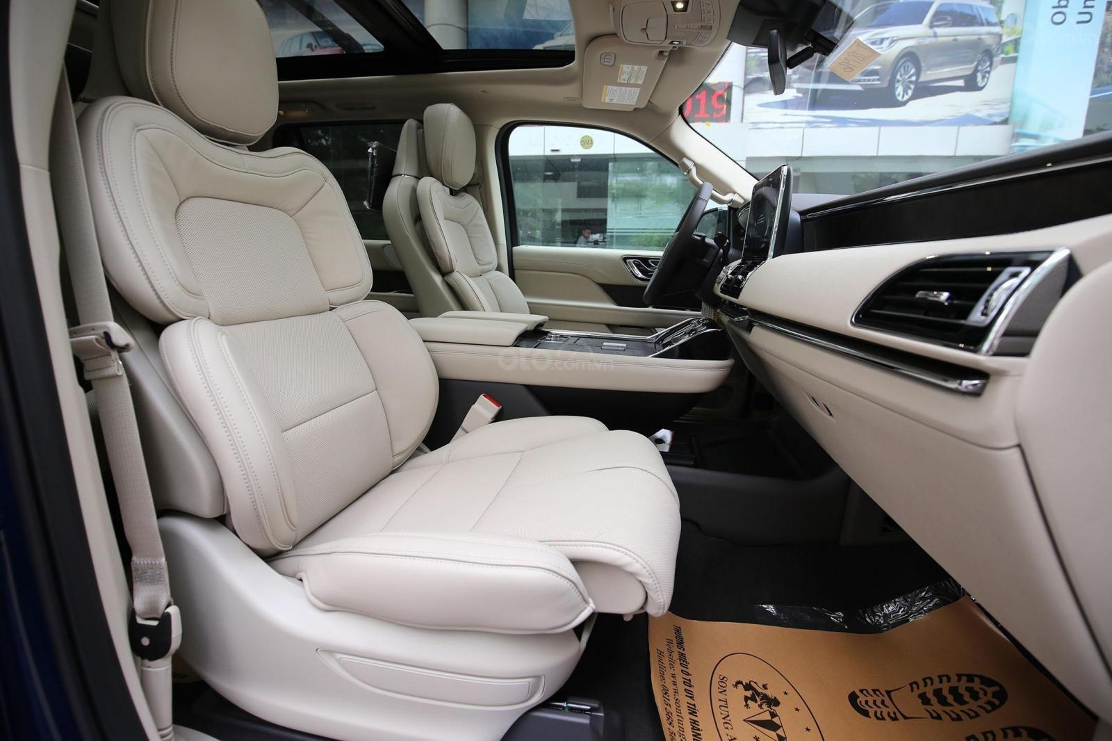 Cần bán Lincoln Navigator L năm sản xuất 2019, màu xanh lam, xe nhập Mỹ mới 100% (7)