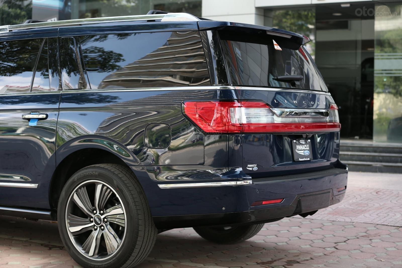 Cần bán Lincoln Navigator L năm sản xuất 2019, màu xanh lam, xe nhập Mỹ mới 100% (17)
