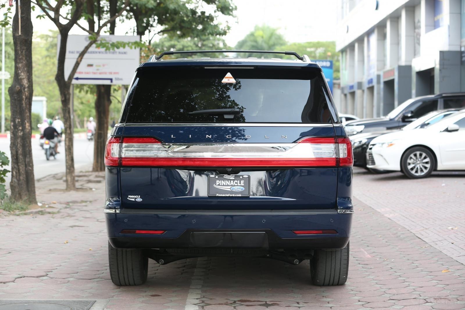 Cần bán Lincoln Navigator L năm sản xuất 2019, màu xanh lam, xe nhập Mỹ mới 100% (18)
