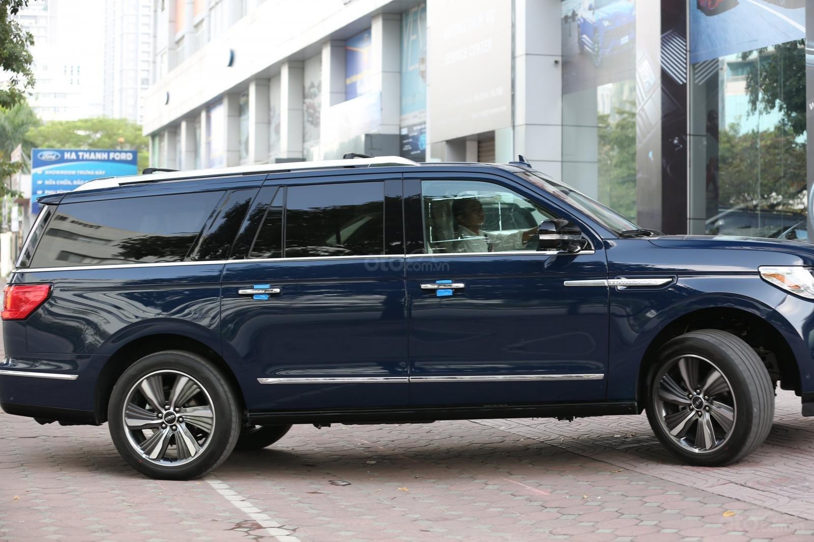Cần bán Lincoln Navigator L năm sản xuất 2019, màu xanh lam, xe nhập Mỹ mới 100% (21)