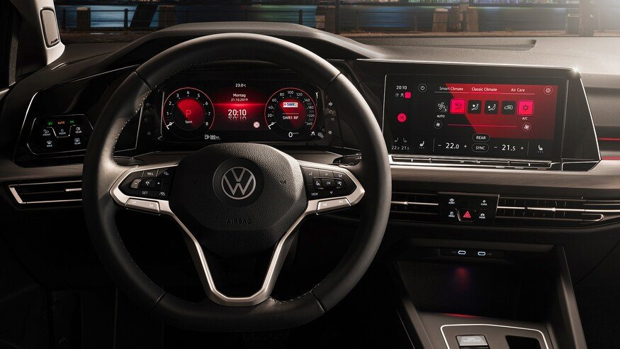 Đánh giá xe Volkswagen Golf 2020 về trang bị tiện nghi: vô-lăng