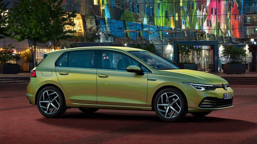 Đánh giá xe Volkswagen Golf 2020: góc 3/4 thân xe 2